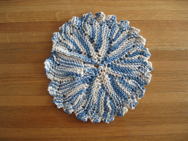 Blue Variagated Round Dishcloth w Peaks: photo by Rich Hill