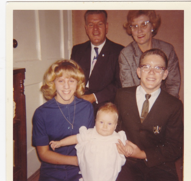 The Weiss Family in October, 1964 - Mom, Daddy, Donna, Jeff and baby Lisa: photo courtesy of Lisa Weiss Robinson.